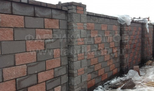 Устройство каменного забора в г.Череповце, ул.Юбилейная